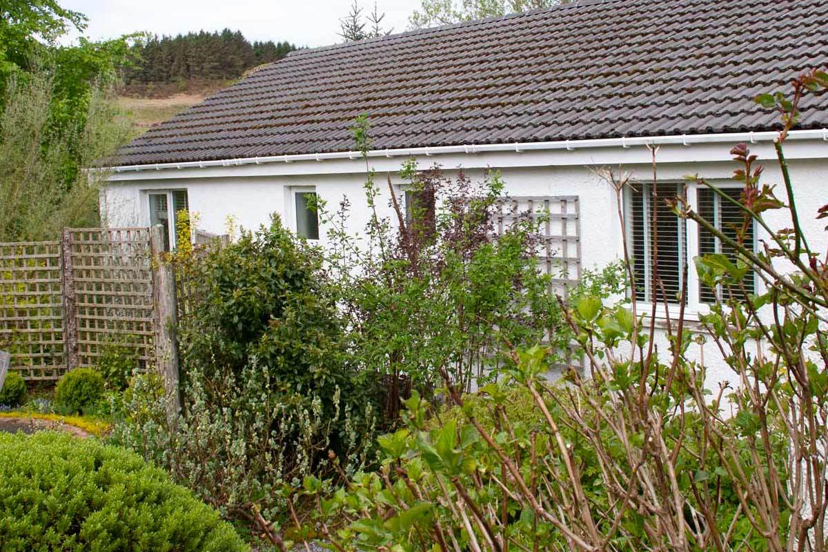 Knott Cottage self catering, Isle of Skye, studio 1, garden