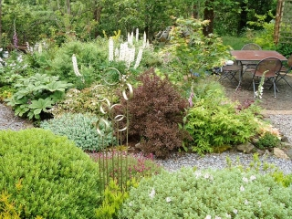 Knott Cottage self catering, Isle of Skye, garden path, seating